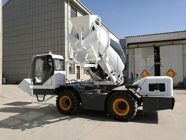 3.5m3 self loading diesel concrete mixer