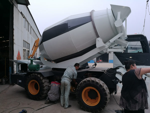 4m3 self loading concrete drum mixer