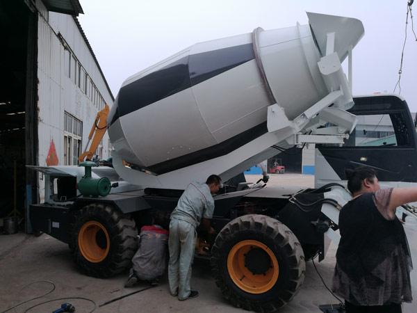 4m3 self loading concrete drum mixer
