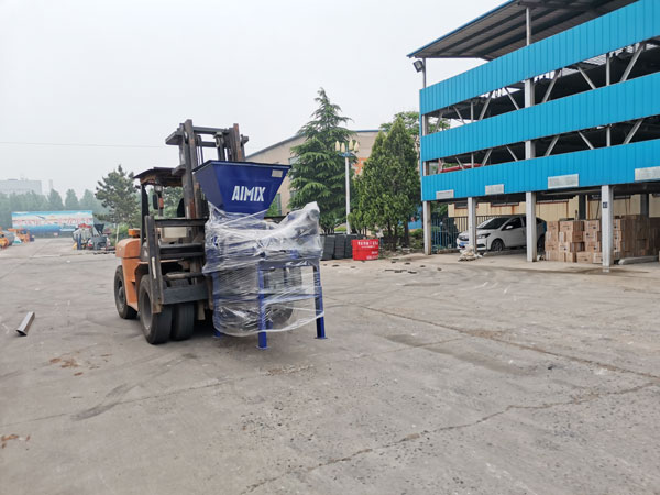 AIMIX concrete block machine sent to Honduras 2