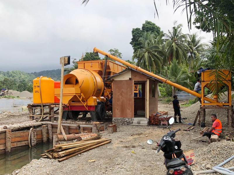 mobile concrete batching plant in Indonesia